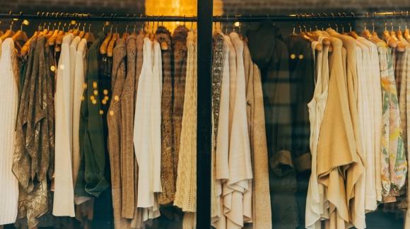 Dlaczego warto kupować ubrania od projektantów?